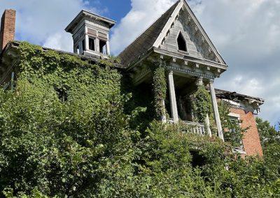 1800s ohio victorian mansion