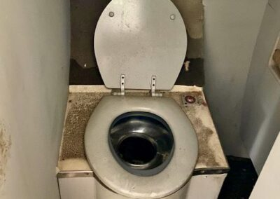 abandoned-airplane-toilet