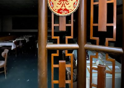 abandoned-chinese-restaurant-round-decorations