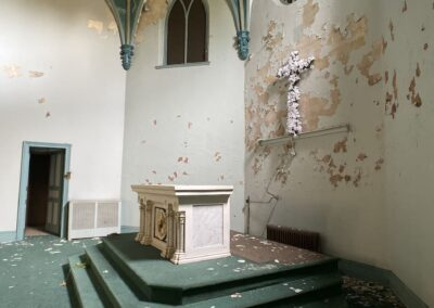 abandoned-catholic-church-alter