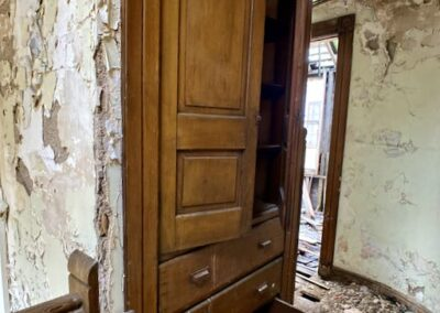 built-in-cabinet-victorian-era-house