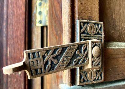 plantation-shutter-hardware-latch-victorian