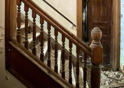 victorian-era-woodwork-stair-railing
