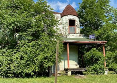 abandoned-house-victorian-turret-dayton