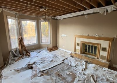 abandoned-mansion-living-room-fireplace
