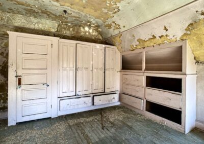 victorian-home-built-in-cabinets