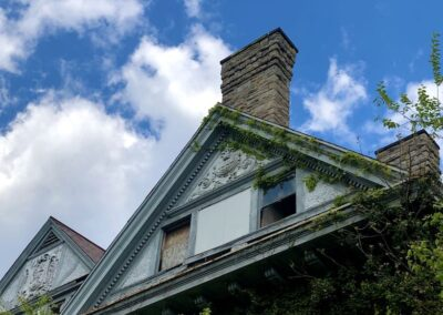 ae-burckhardt-house-top-windows