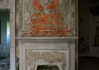 abandoned-victorian-mansion-fireplace