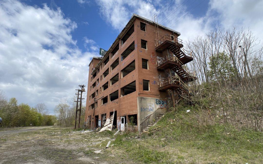 Abandoned Ohio Train Yard with Control Towers | CSX P&LE Railroad