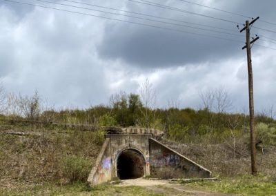 abandoned-csc-train-yard-ohio-tunnel