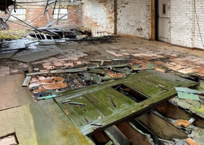 abandoned-trolley-floor-rotten