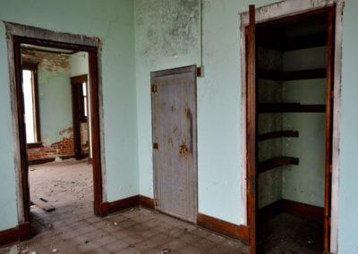 abandoned-trolley-station-dayton-safe-built-in