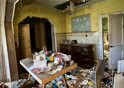 abandoned-victorian-house-kitchen