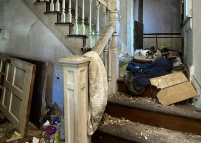 abandoned-victorian-house-white-staircase