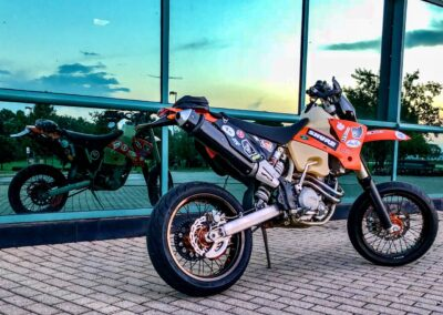 reflection-of-ktm-450-exc-supermoto-building