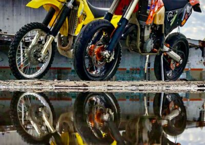 drz-ktm-exc-motorcycles-reflection