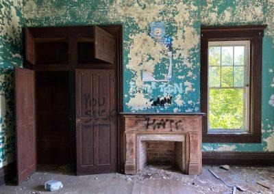 ohio victorian mansion built in closet