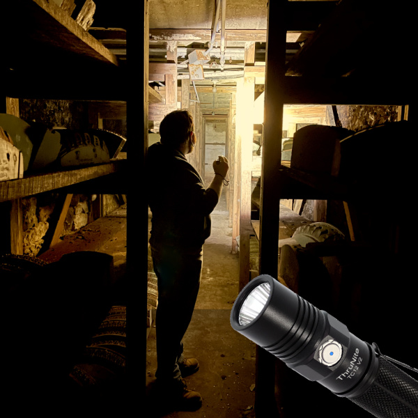 thrunite tc12 best led flashlight 18650