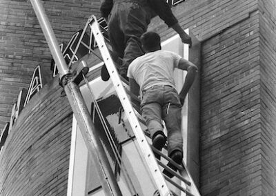1940s-sign-install-ladder