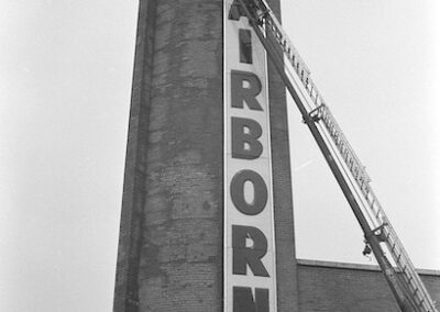 vertical-theater-sign-fairborn